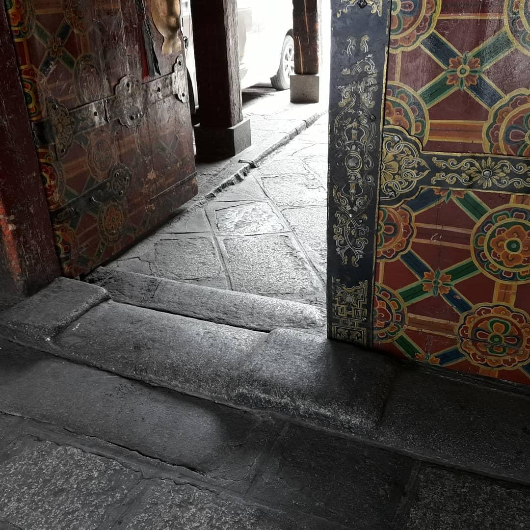 jokhang threshold